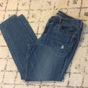 Old Navy Curvy Mid-Rise Distressed Jeans